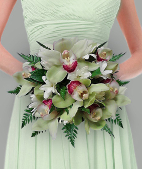Clutch bouquet of cymbidium & tuberose
